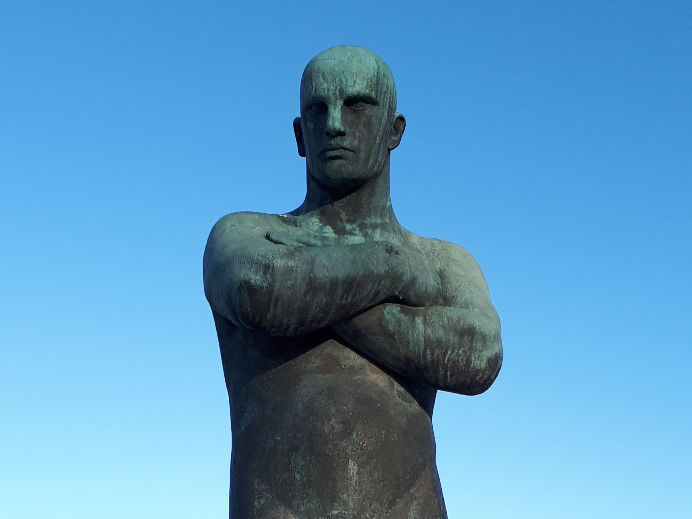 Gustav Vigeland statue Alienation
